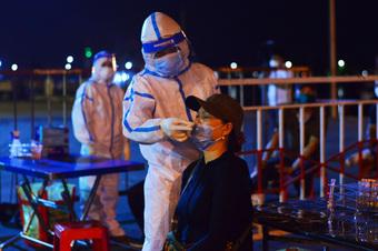 Các tiểu thương nhiễm Covid-19 đến hàng loạt nơi đông người, Đà Nẵng yêu cầu ai liên quan lập tức khai báo