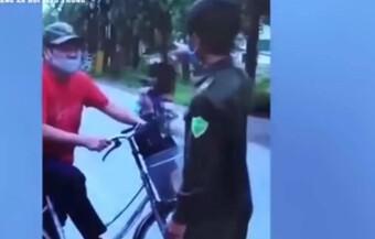 Xử lý người đàn ông chửi bới, tấn công tổ công tác khi bị nhắc nhở ra đường vì mục đích không thiết yếu