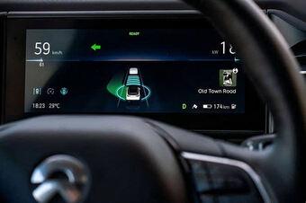 Huawei cách chức người đứng đầu bộ phận xe tự hành vì ''nói xấu Tesla''