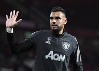 Củng cố hàng thủ, Arsenal liên hệ cựu sao Man Utd