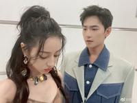 """Dương Dương đăng ảnh Nhiệt Ba dỗi ra mặt kèm câu """"thả thính"""", Cnet chỉ chú ý tới visual xuất sắc của cặp đôi"""