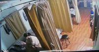 """Bắt quả tang nữ nhân viên massage """"chui"""" cho khách giữa mùa dịch"""