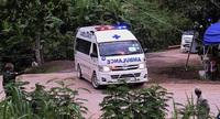 Cha già 80 tuổi mắc Covid-19 bị con gái bỏ lại trong chùa ở Thái Lan