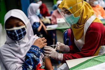Indonesia đặt mục tiêu tiêm vaccine ngừa COVID-19 cho trên 208 triệu dân