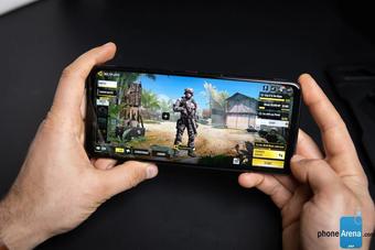 Xếp hạng những điện thoại tốt nhất nửa đầu năm 2021, iPhone 12 Pro Max vô địch