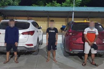 Hà Nội: Bất chấp lệnh cấm, ba thanh niên rủ nhau lên núi... uống rượu