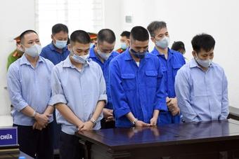 Phạt tù nhóm thanh tra giao thông nhận hối lộ