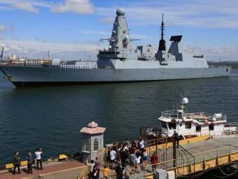 [ẢNH] Tham mưu trưởng Hạm đội Biển Đen bị cách chức sau vụ việc HMS Defender