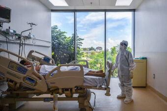 Thành lập 12 trung tâm hồi sức tích cực COVID-19 quốc gia quy mô gần 8.000 giường