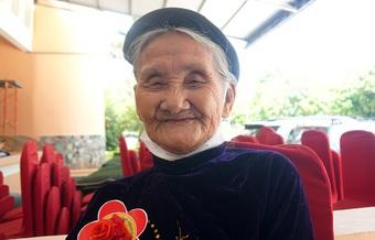 Chia sẻ của cụ bà 85 tuổi từng nhiều lần đạp xe lên xã xin thoát nghèo