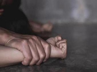 Người đàn ông 42 tuổi nhiều lần đưa bé gái vào nhà nghỉ quan hệ tình dục
