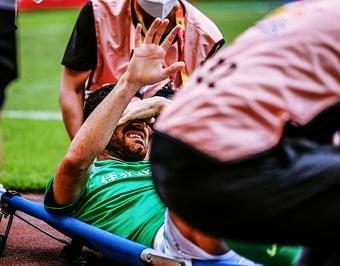 """Phải chơi theo lịch """"ma quỷ"""" của giải VĐQG Trung Quốc, tuyển thủ Iran đổ gục chỉ sau 1 phút"""