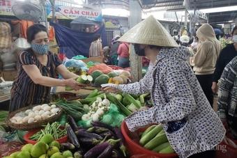 Dịch phức tạp, Đà Nẵng cho tối đa 50% tiểu thương buôn bán mặt hàng thiết yếu tại chợ