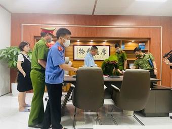Bắt 2 chuyên gia Trung Quốc buôn lậu