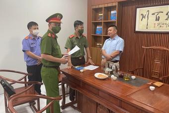 Khởi tố, bắt tạm giam 2 chuyên gia Trung Quốc