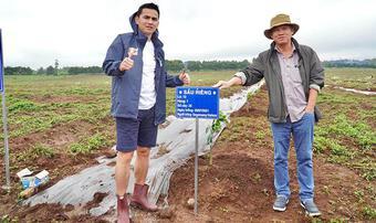 Bầu Đức cho Công Phượng, Xuân Trường đi làm nông dân trồng sầu riêng