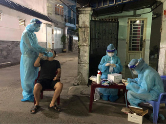 Lập bàn thờ vọng cho nữ sinh viên Hải Dương chống dịch Covid-19 ở TP.HCM chịu tang cha