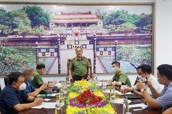 """Vì sao Giám đốc Cảng Hàng không quốc tế Phú Bài cùng """"bộ sậu"""" bị bắt?"""