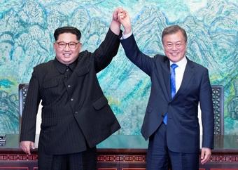 """Vì sao Triều Tiên nối lại liên lạc với Hàn Quốc sau thời gian """"đóng băng""""?"""