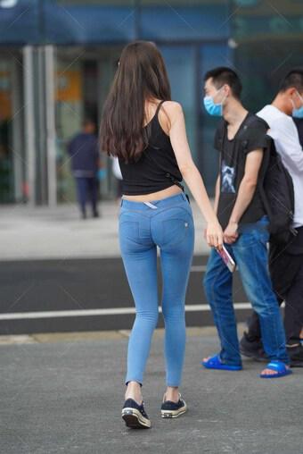 """Người đẹp mắc sai lầm """"khó tha thứ"""" với quần skinny jean"""