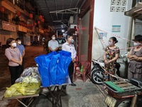 MTTQ Việt Nam TP.HCM nhận nhiều cuộc gọi của người dân về chính sách hỗ trợ và nhu yếu phẩm