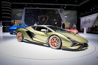 Lamborghini Huracan sắt vụn được độ thành quái vật offroad Jumpacan