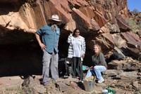 Đi tiểu, bất ngờ phát hiện di tích cổ của loài người 49.000 năm trước