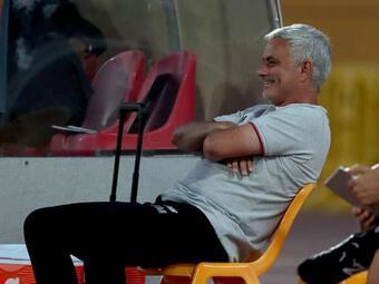 Đồ tể Pepe và Mkhitaryan đánh nhau, HLV Mourinho có trị loạn được ko?