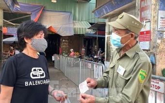 Dùng phiếu đi chợ tại Hà Nội, người mua và người bán cần biết!