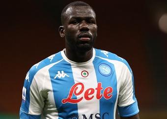 Tìm người thay Varane, Real bị ép giá 60 triệu euro