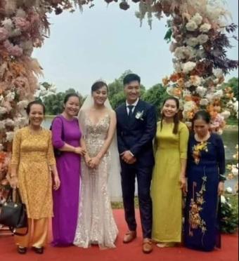 """Hương vị tình thân: Lộ thêm ảnh cưới """"không hề giả trân"""" của Long - Nam nhưng sao bà Dần lại thế này?"""