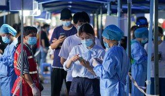 Covid-19: Ổ dịch ở Nam Kinh lây lan ra 15 thành phố Trung Quốc