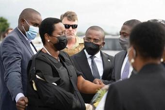 Vợ cố Tổng thống Haiti bị ám sát lên đường tới Mỹ