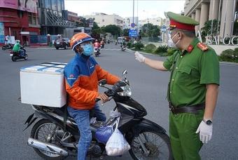 Hà Nội: Đã cấp phép cho hơn 14.000 shipper hoạt động