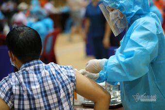 Đà Nẵng kêu gọi y bác sĩ về hưu tham gia chiến dịch tiêm vắc xin Covid-19