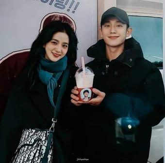 Nhà Xanh phản đối kiến nghị ngừng chiếu, 'Snowdrop' của Ji Soo và Jung Hae In dự kiến lên sóng cuối năm