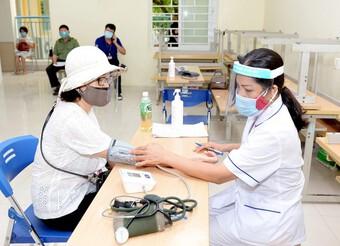 Triển khai chiến dịch tiêm chủng vaccine phòng Covid-19 tại ĐH Kinh tế quốc dân