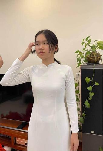 Tiễn con gái sang Mỹ du học giữa mùa dịch, NSND Trung Anh ngậm ngùi: ''Con chưa bay lòng bố mẹ đã rối bời''