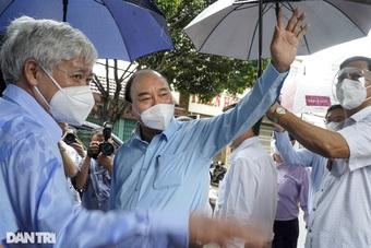 """Chủ tịch nước: """"Tiêm vắc xin chậm là chúng ta có lỗi với nhân dân!"""""""