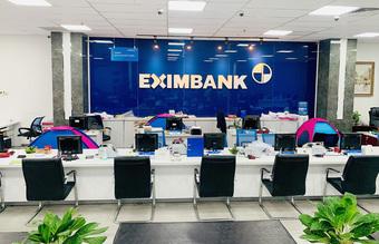 """Nhiều ngân hàng tại Tp. Hồ Chí Minh thực hiện """"3 tại chỗ"""""""