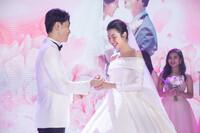 Kỉ niệm 1 năm ngày cưới Thúy Vân - Nhật Vũ: ''365 ngày chỉ nhìn vào ánh mắt cũng hiểu được ý nhau''