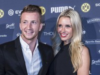 [ẢNH] Cô vợ xinh đẹp của sao Dortmund dấn thân vào làng đua ngựa