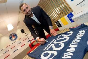 CHÍNH THỨC: Donnarumma gia nhập PSG với giá 0 đồng
