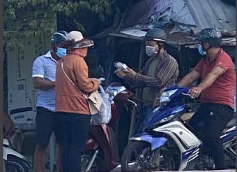 Phú Yên: Bắt quả tang người phụ nữ bán kit test nhanh Covid-19 không rõ nguồn gốc