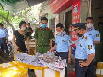 QLTT Nam Định: Phát hiện gần 500kg thực phẩm không rõ nguồn gốc