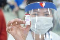 Hàng nghìn công nhân khu công nghiệp Quang Minh được tiêm vaccine Covid-19