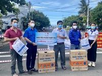Chuyển hơn 10 tấn quà yêu thương từ TP.HCM ra Phú Yên hỗ trợ chống dịch Covid-19