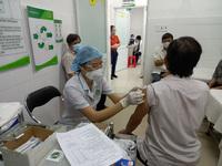 8 dấu hiệu ''chỉ điểm'' sau tiêm vắc xin Covid-19 bị phản vệ được chuyên gia khuyến cáo