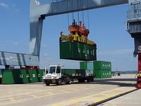 """Cước vận tải container tăng """"phi mã"""": Doanh nghiệp xuất khẩu băn khoăn đi tiếp hay dừng lại?"""