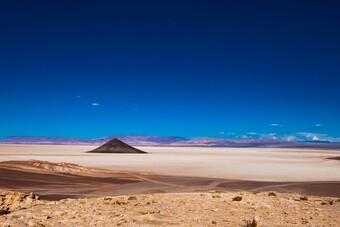 """Chiêm ngưỡng vẻ đẹp """"kim tự tháp"""" tự nhiên của Argentina"""